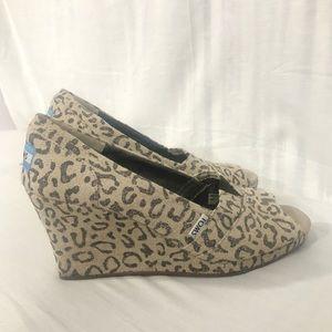 b679ed643651 Women Cheetah Print Toms on Poshmark